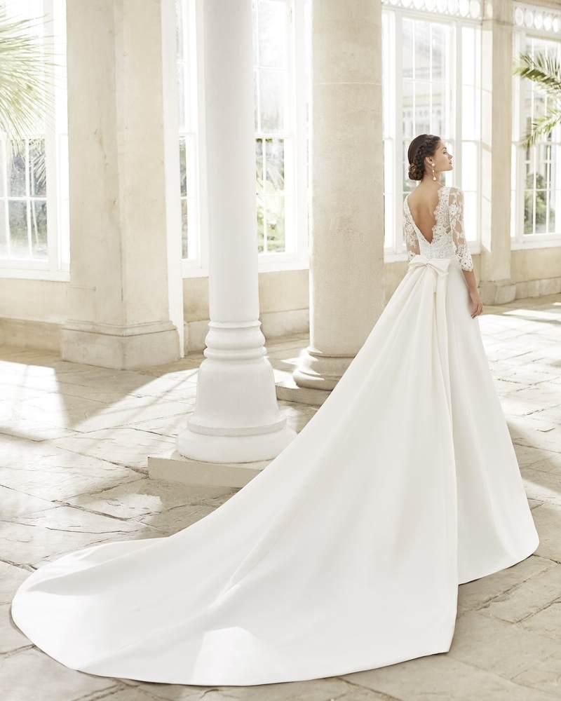 Rosa Clará 2021-es menyasszonyi ruha kollekció vásárlás, bérlés: Tortosa eskövői ruha