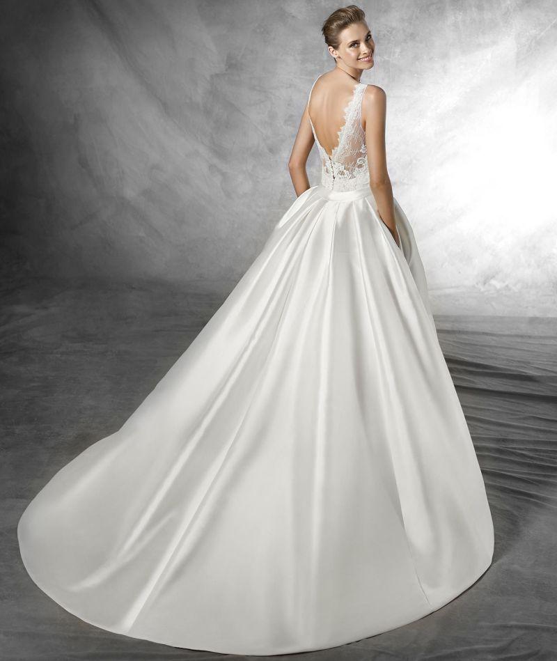 Pronovias előfoglalás - La Mariée esküvői ruhaszalon: Trudy eskövői ruha