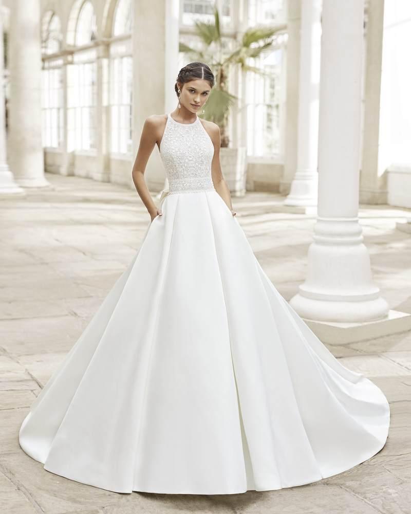 Rosa Clará 2021-es menyasszonyi ruha kollekció vásárlás, bérlés: Tysar menyasszonyi ruha