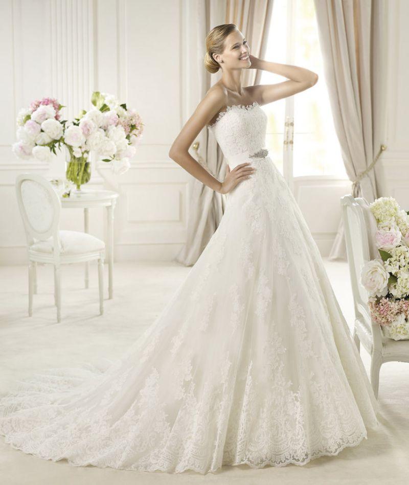 Pronovias előfoglalás - La Mariée esküvői ruhaszalon: Uceda menyasszonyi ruha