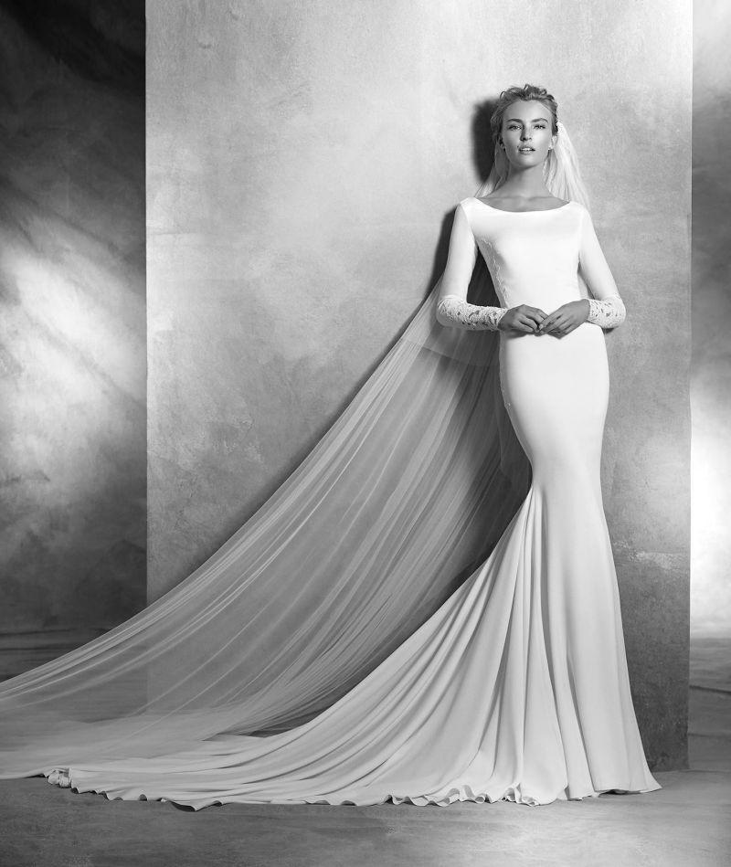 Pronovias Atelier mennyasszonyi ruha kollekció: Vania menyasszonyi ruha