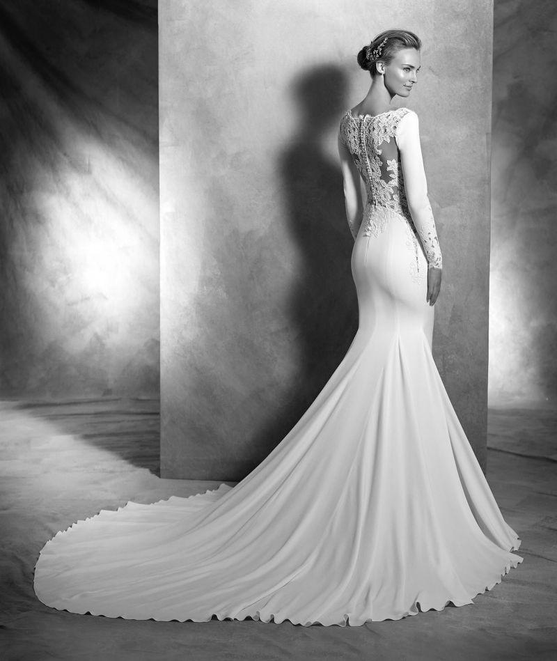 Pronovias Atelier mennyasszonyi ruha kollekció: Vania eskövői ruha