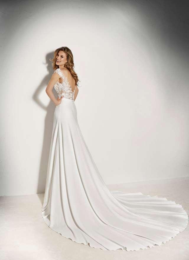 Pronovias 2018 menyasszonyi ruha kollekció: Xenine eskövői ruha