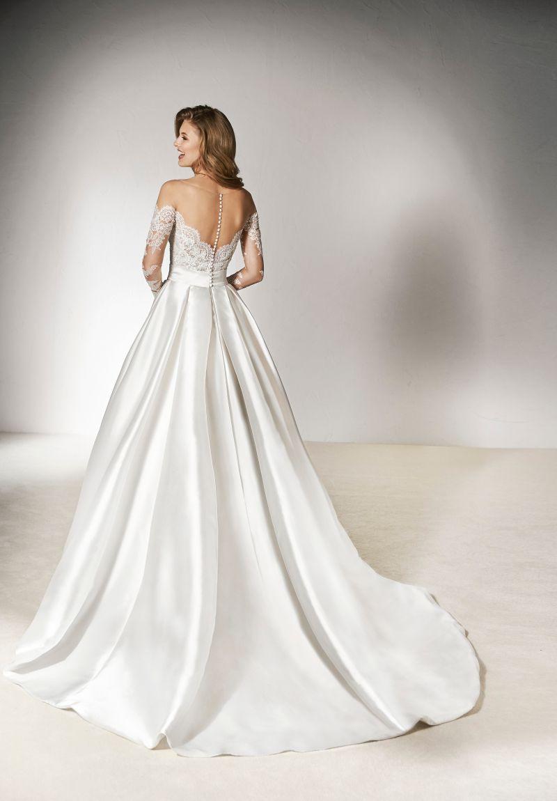 Pronovias 2018 menyasszonyi ruha kollekció: Xirivi eskövői ruha