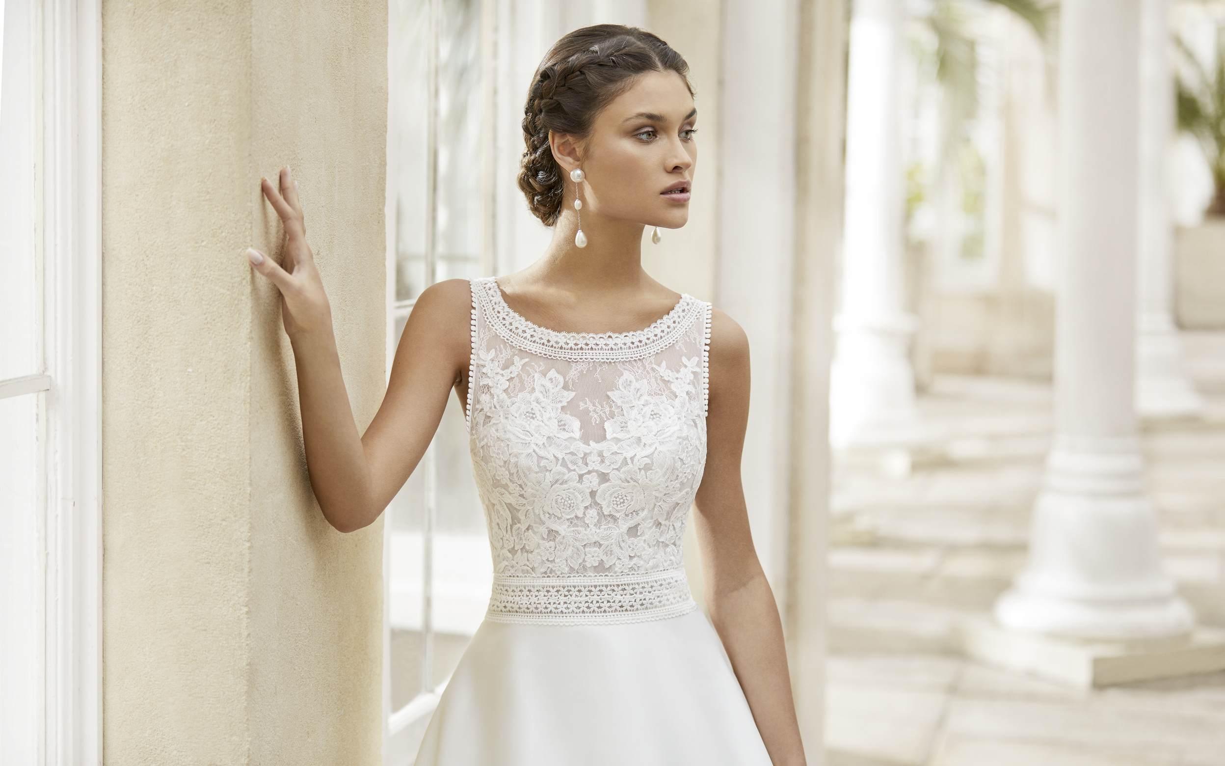 Rosa Clará 2021 menyasszonyi ruha: Tiara