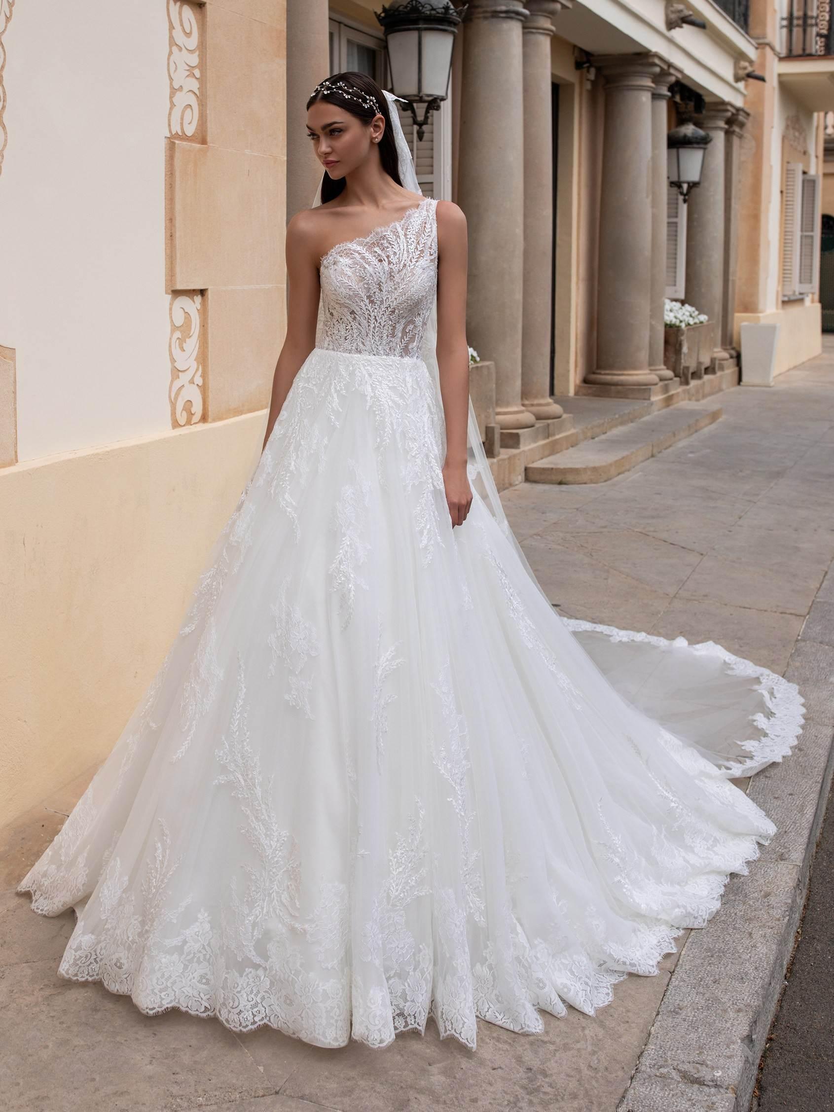 Varda menyasszonyi ruha - Pronovias 2021
